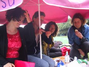 http://www.frauenwohnprojekt.info/media/galerie/2003/picknick/003.jpg